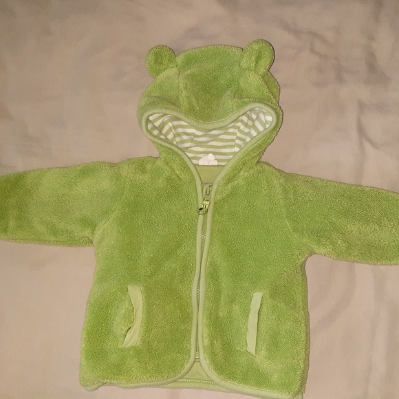 H&M Other - 5/$20 Green H&M Sweater with Hoodie